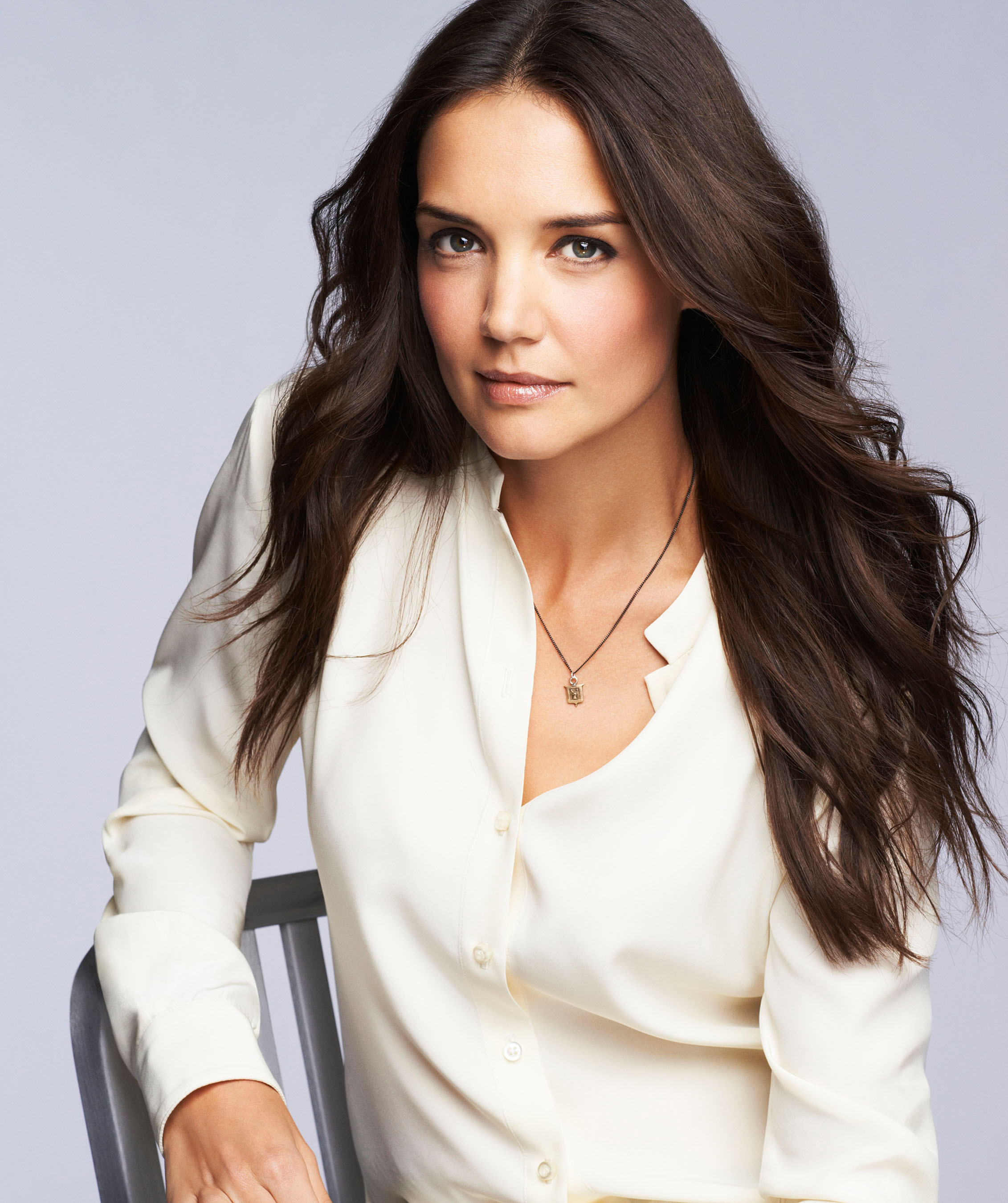 Katie Holmes the new face of Bobbi Brown cosmetics advise