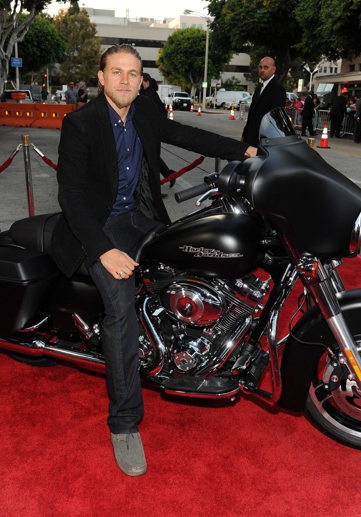 Harley davidson motor company charlie hunam the for Harley davidson motor co