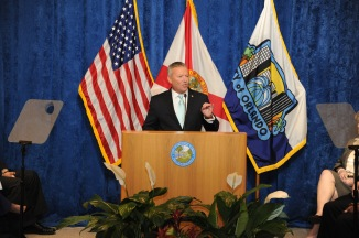 Dyer Delivers Speech