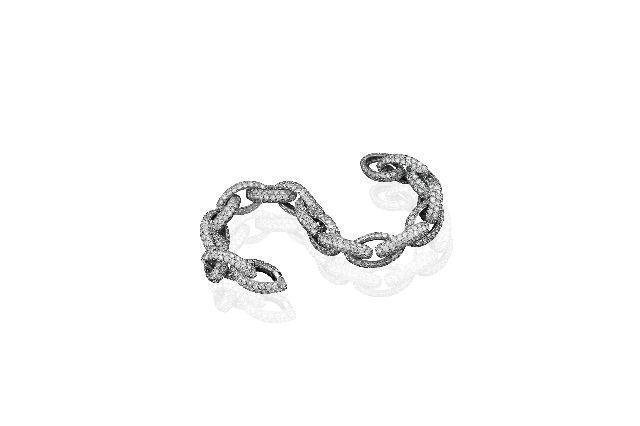Diamond bracelet worn by Ana Beatriz Barros