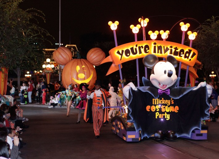 DISNEYLAND RESORT MICKEY'S HALLOWEEN PARTY