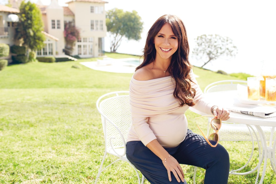 DESTINATION MATERNITY CORPORATION JENNIFER LOVE HEWITT