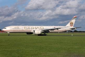 Etihad 777-300 A6-ETC (03-Abu Dhabi Grand Prix 2013)(Grd) DUB (PQN)(46)-S