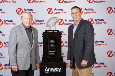 61028-Amway-Coaches-Trophy-Unveil-original