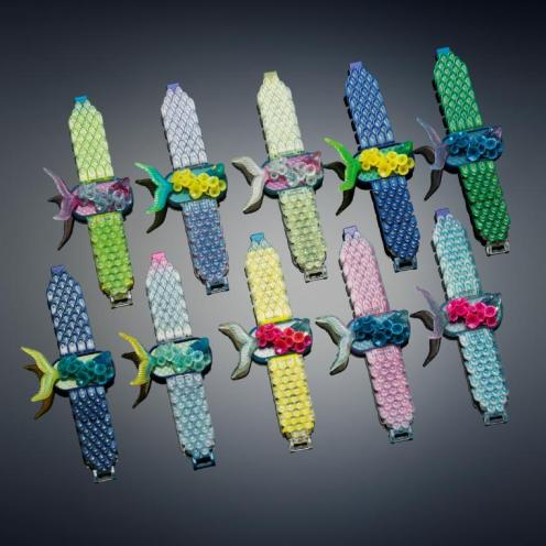 Michaella Janse van Vuuren designed Fish in Lillies Bracelet exploits the multi-material and color properties of the Objet500 Connex3 Color Multi-material 3D Printer to emulate fish scales