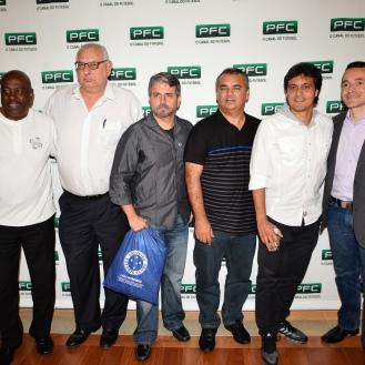 Da esquerda para a direita: Sérgio Lima, ex-jogador do Internacional; Antônio Tozzi, jornalista;Frederico Martins, presidente da Zezoo; Marquinhos, ex-jogador do Atlético-MG, Sérgio Manoel, ex- jogador do Botafogo e Marcos Peres, jornalista.