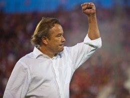 Orlando City SC estende o contrato do treinador Adrian Heath até 2017  Heath ganha extensão de contrato antes mesmo da estreia naMLS
