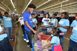 Orlando MagicÕs Nikola Vucevic, Elfrid Payton and Victor Oladipo Team Up with Pepsi for a Holiday Shopping Spree with Local Youth