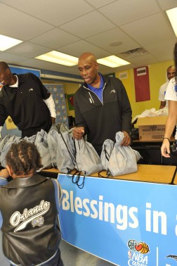 Orlando Magic and Magic Coach Jacque Vaughn Support Blessings in a Backpack Program at Nap Ford Community School
