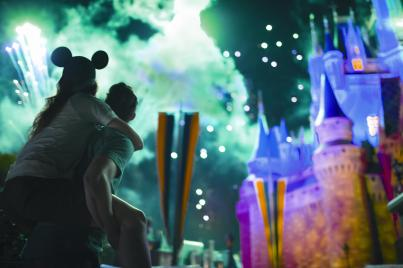 05_Castle Fireworks_0572