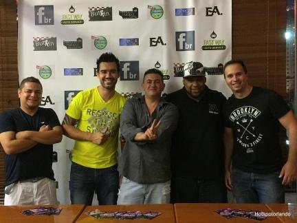 Neon, Fabio, Junior, Edu Ares e o group Manager.