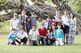 Phydias com alunos e participantes do curta Cataventos