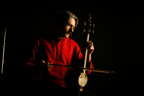 4/16/07 kayhan kalhor from the Silk Road Ensemble Photography ©ÊTodd Rosenberg Photography